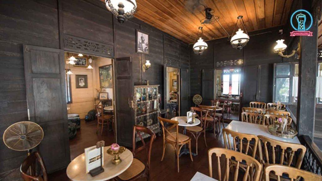 """""""บ้านขนมปังปิ้ง"""" คาเฟ่ Original Thai ย่านเสาชิงช้า nungchillchill บาร์ลับ ร้านนั่งชิล แฮงเอาท์ ร้านดาดฟ้า"""